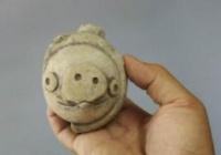 三星堆出土文物的泥塑制作陶猪与《愤怒的小鸟》里的猪超像